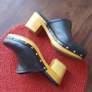 Ugg clogs size 9 genuine leather upper with wood
